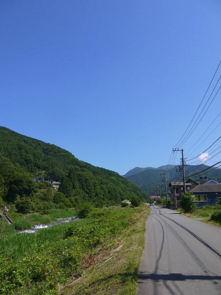 0907_中津川横の道.JPG