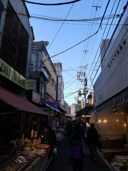 0908_築地朝の喧騒.JPG