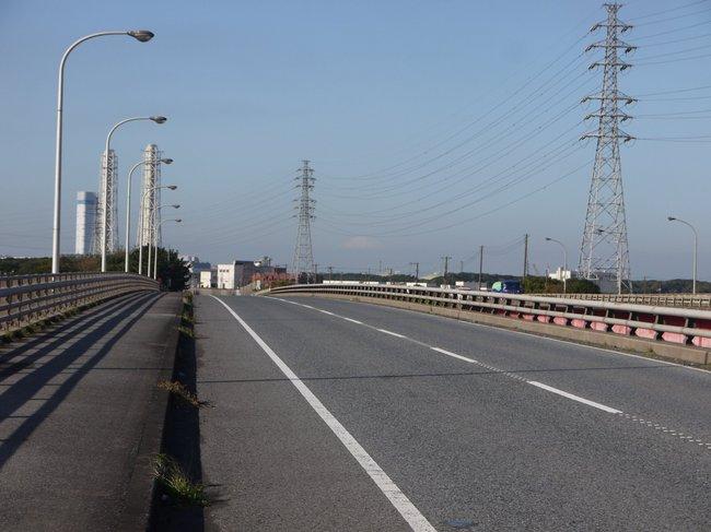 0923_新日鉄住金の向こうに富士山.JPG