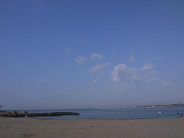 0927_森戸海岸と江ノ島.JPG