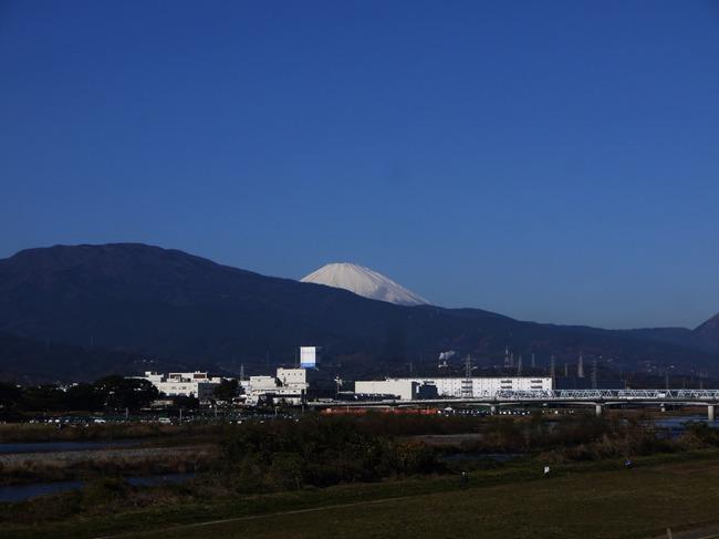 0934_酒匂川から富士山.JPG