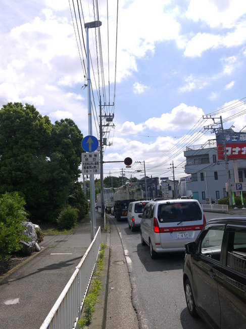 0935_渋滞の長後街道.JPG