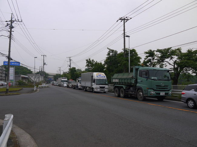 0958_慢性渋滞の国道16号.JPG