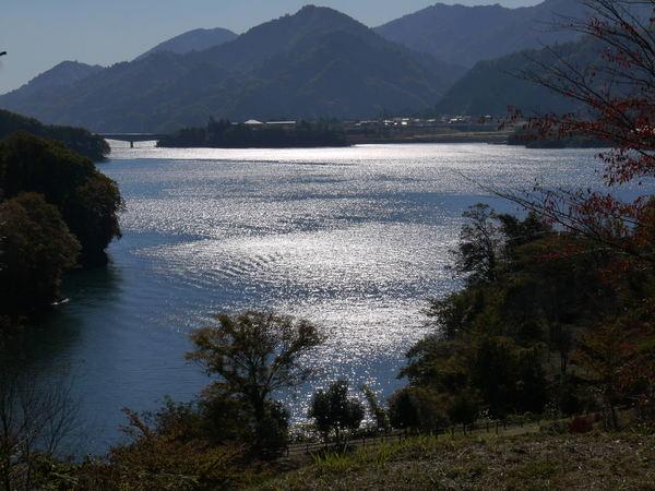 1014_宮が瀬湖1.JPG