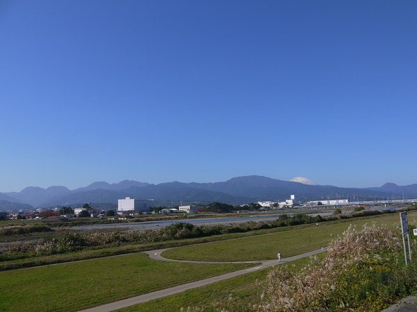 1120_国道1号より富士山.JPG