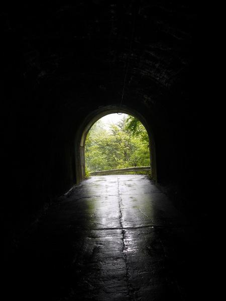 1126_薄暗いトンネル.JPG