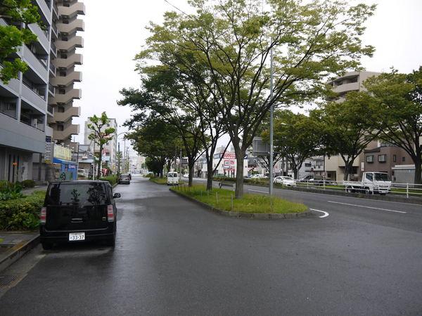 1141_雨が降り出した国道15号.JPG