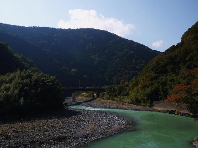 1157_雄大な神奈川西部の国道.JPG