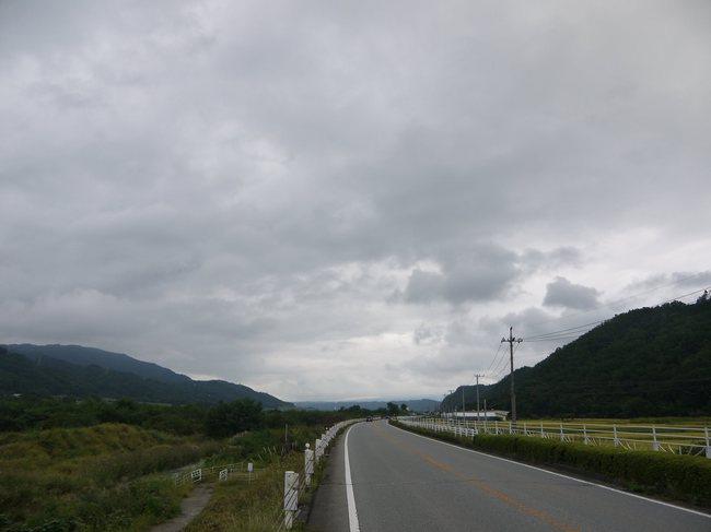 1215_八ヶ岳の大きなすそ野が見えだす。思わず気合が入りました。.JPG