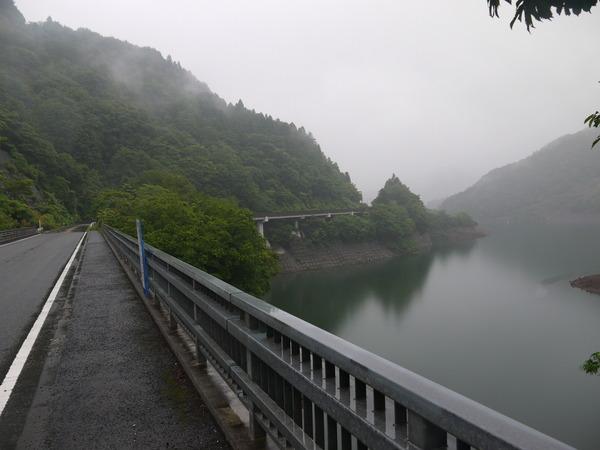 1234_宮が瀬湖現る.JPG