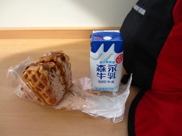 1309_牛乳とスイーツ.JPG