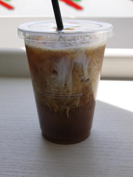 1333_コンビニコーヒー.JPG