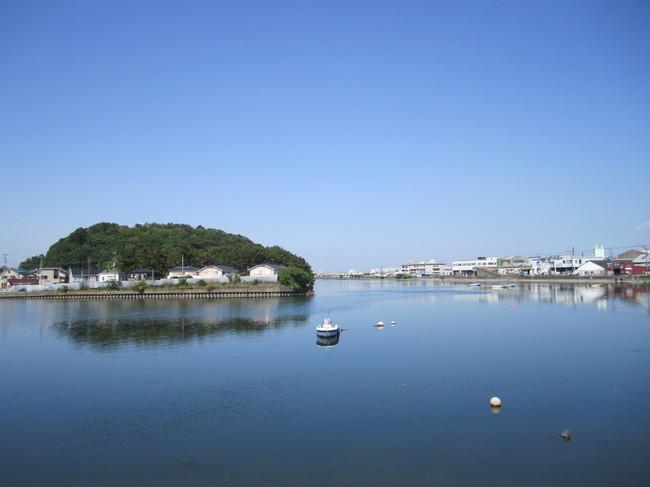 1405_金沢八景の静かな海.JPG