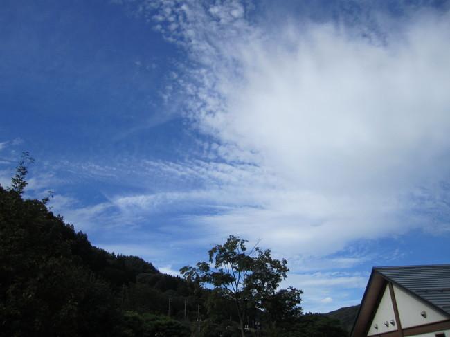 1442_南清里から青空.JPG