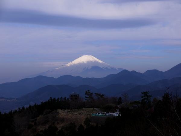 20140329_0913_菜の花台から富士_編集.JPG