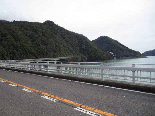 やまびこ大橋から64号遠望.JPG