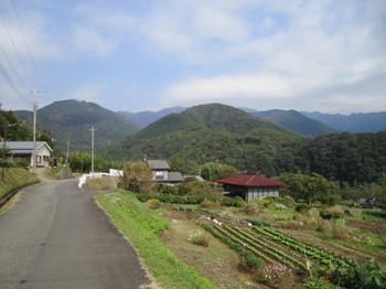 中山峠への上り.JPG