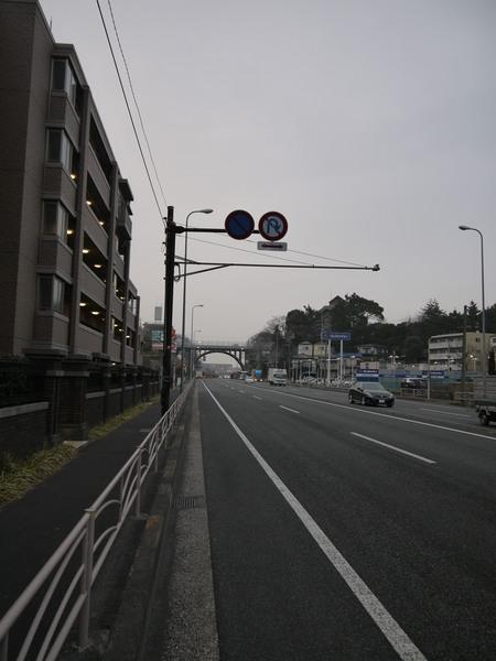 小雨が上がった国道一号.JPG