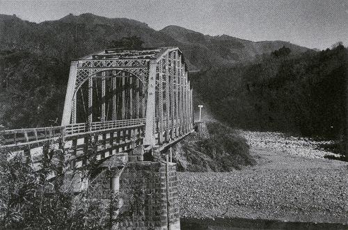 旧道志橋.jpg