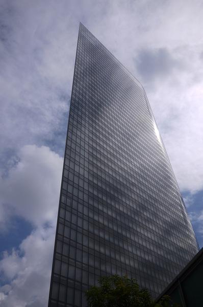 汐留ビル街2.JPG