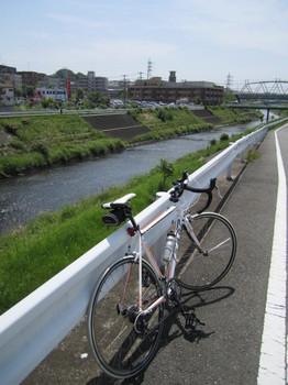 鶴見川休憩地.JPG